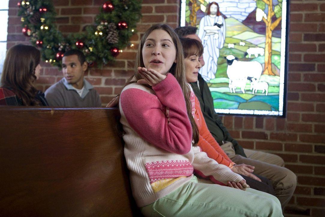 Was wohl Sue (Eden Sher) so in der Kirche treibt? - Bildquelle: Warner Brothers