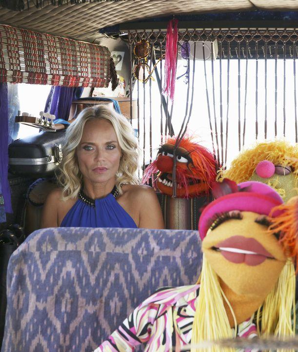 Ein Gig von Kristin Chenoweth (l.) und den The Electric Mayhem bringt Streitigkeiten mit sich ... - Bildquelle: Carol Kaelson ABC Studios