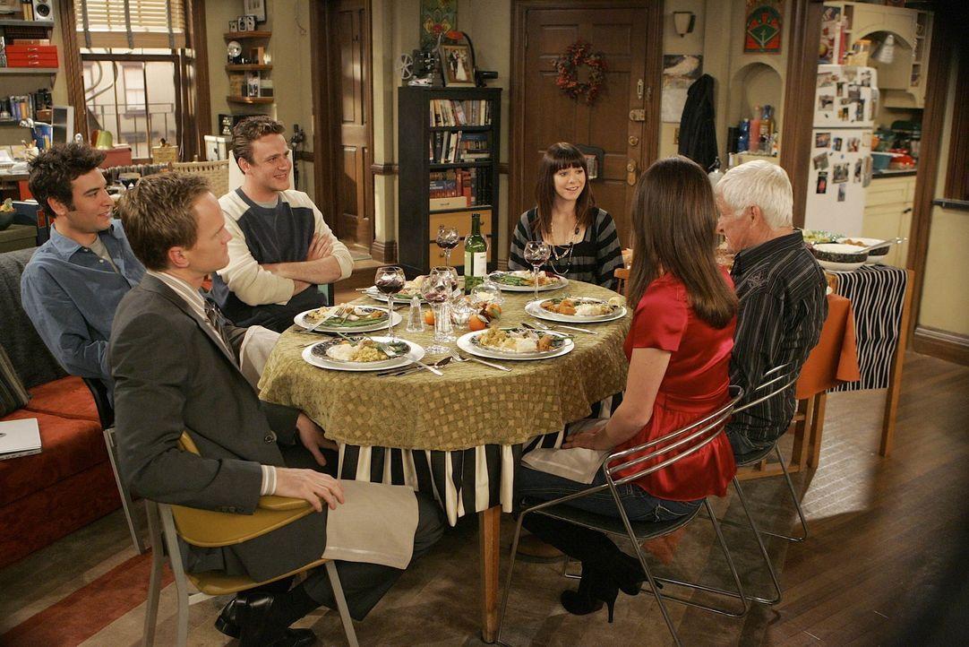 Anfangs ist die Stimmung der Thanksgivingsfeier auf dem Tiefpunkt, doch dann reißen sich alle zusammen und letztlich wird es noch ein wunderschöne... - Bildquelle: 20th Century Fox International Television