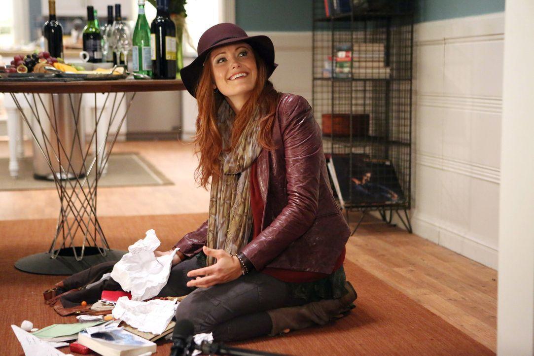 Tessa lernt an Thanksgiving endlich ihre Mutter Alex (Malin Akerman) kennen. Das Treffen findet unter erschwerten Bedingungen statt, doch die beiden... - Bildquelle: Warner Brothers