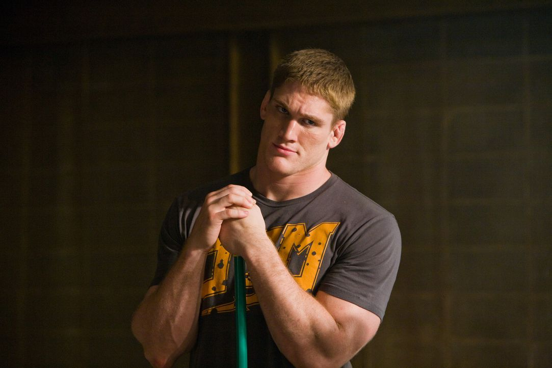 Ahnt erst viel zu spät, dass nicht alle Kollegen wahren Sportsgeist besitzen: Tim (Todd Duffee) ... - Bildquelle: Alicia Gbur 2011 Sony Pictures Worldwide Acquisitions Inc. All Rights Reserved.
