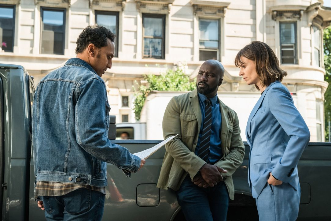 (v.l.n.r.) Ben Shakir (Aasif Mandvi), David Acosta (Mike Colter), Kristen Bouchard (Katja Herbers) - Bildquelle: Elizabeth Fisher 2019 CBS Broadcasting Inc. All Rights Reserved. / Elizabeth Fisher