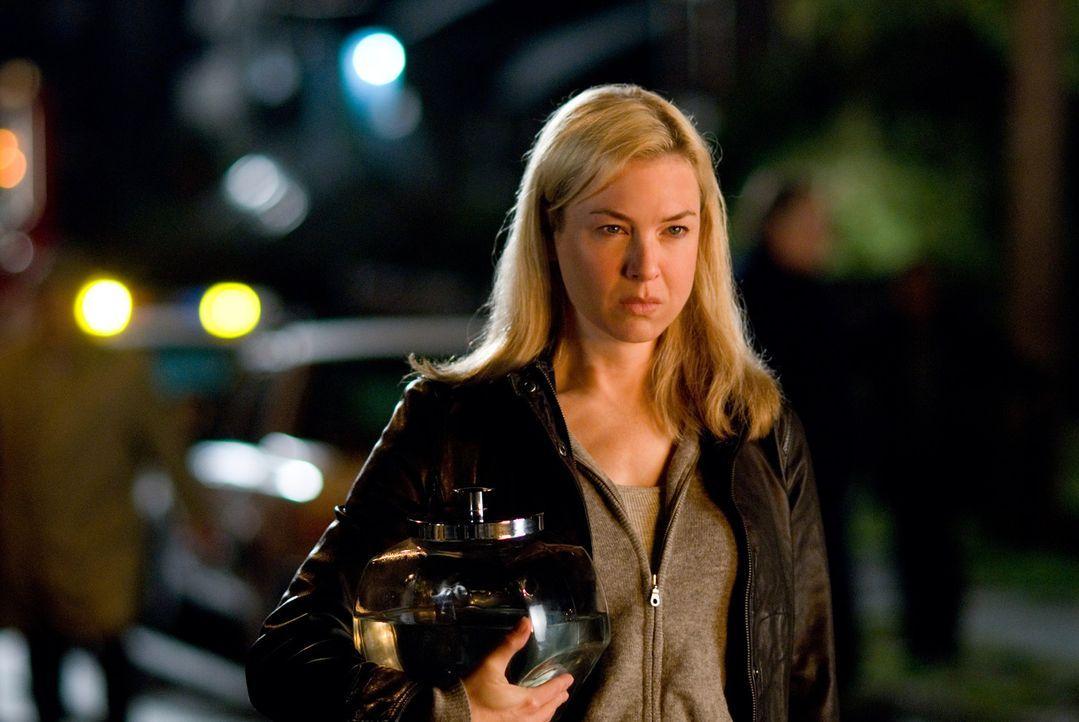 Die attraktive Emily Jenkins (Renée Zellweger) ist eine erfahrene und ausgelastete Sachbearbeiterin im Sozialamt von Oregon. Zu den 38 Fällen, die... - Bildquelle: Kimberley French 2010 PARAMOUNT PICTURES.  All Rights Reserved.