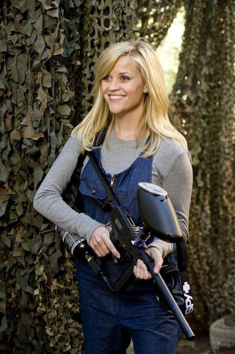FDR und Tuck unternehmen alles, um Lauren (Reese Witherspoon) zu beeindrucken und für sich zu gewinnen. Auch ein gelungener Auftritt in einem Paint... - Bildquelle: Kimberley French TM and   2012 Twentieth Century Fox Film Corporation. All rights reserved. Not for sale or duplication.