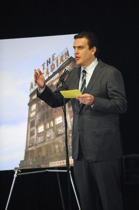 Spricht auf der Sitzung, in der endgültig besprochen wird, ob das Arcadian nun wirklich abgerissen wird: Marshall (Jason Segel) ... - Bildquelle: 20th Century Fox International Television
