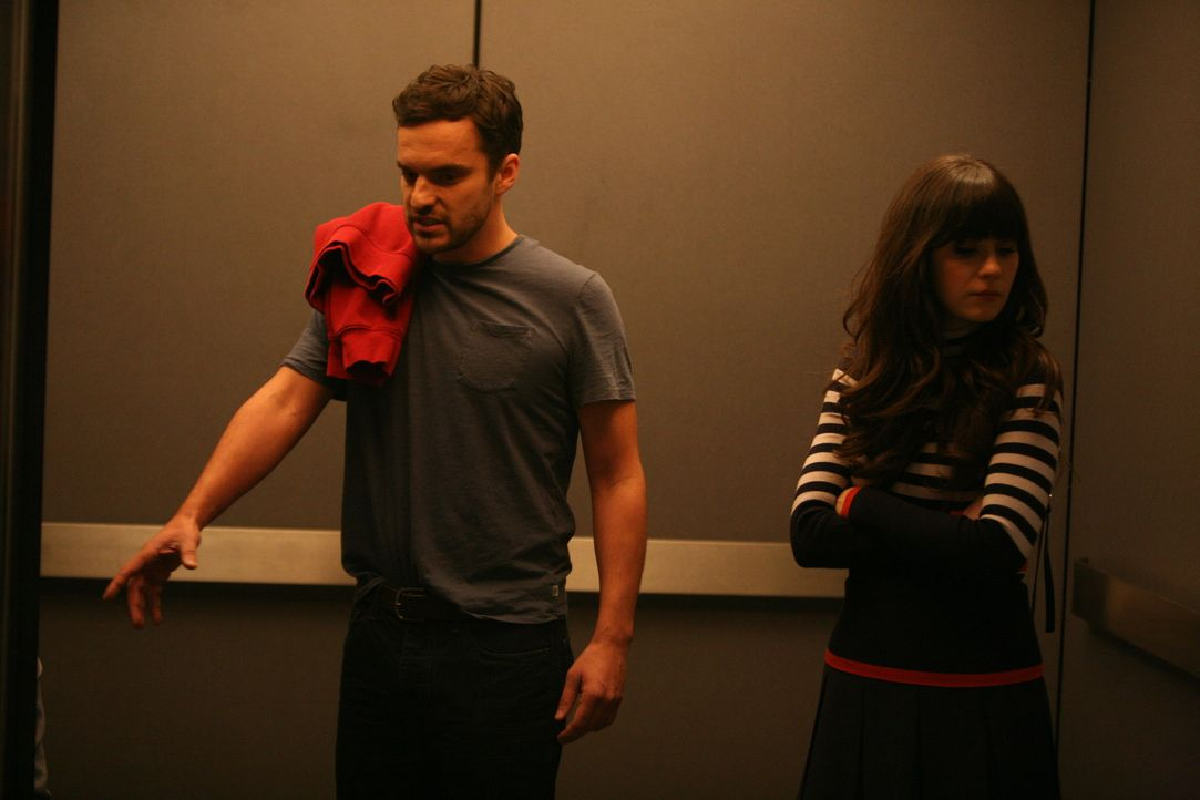 Trotz Nicks (Jake M. Johnson, l.) heftiger Proteste beschließt Jess (Zooey Deschanel, r.), den ungeliebten Vermieter Remy aufzusuchen und dem Griesg... - Bildquelle: 20th Century Fox