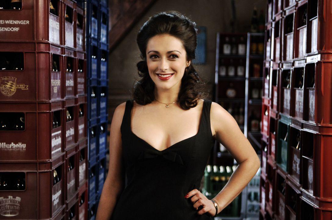 Die italienische Hauptdarstellerin Gina Ferrari (Valentina Lodovini) hat zwar alles, was man für einen Aufklärungsfilm der 60er Jahre braucht - al... - Bildquelle: Constantin Film