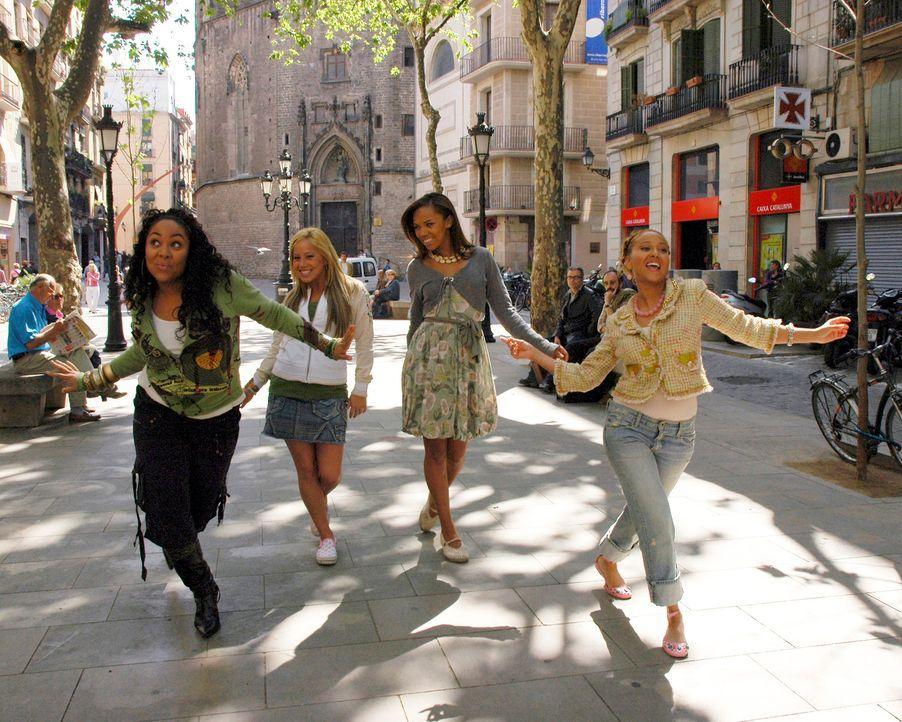 """Während der Sommerferien reisen die """"Cheetah Girls"""" (v.l.n.r.) Galleria (Raven), Dorinda (Sabrina Bryan), Aqua (Kiely Williams) und Chanel (Adrienne... - Bildquelle: Buena Vista International Television"""