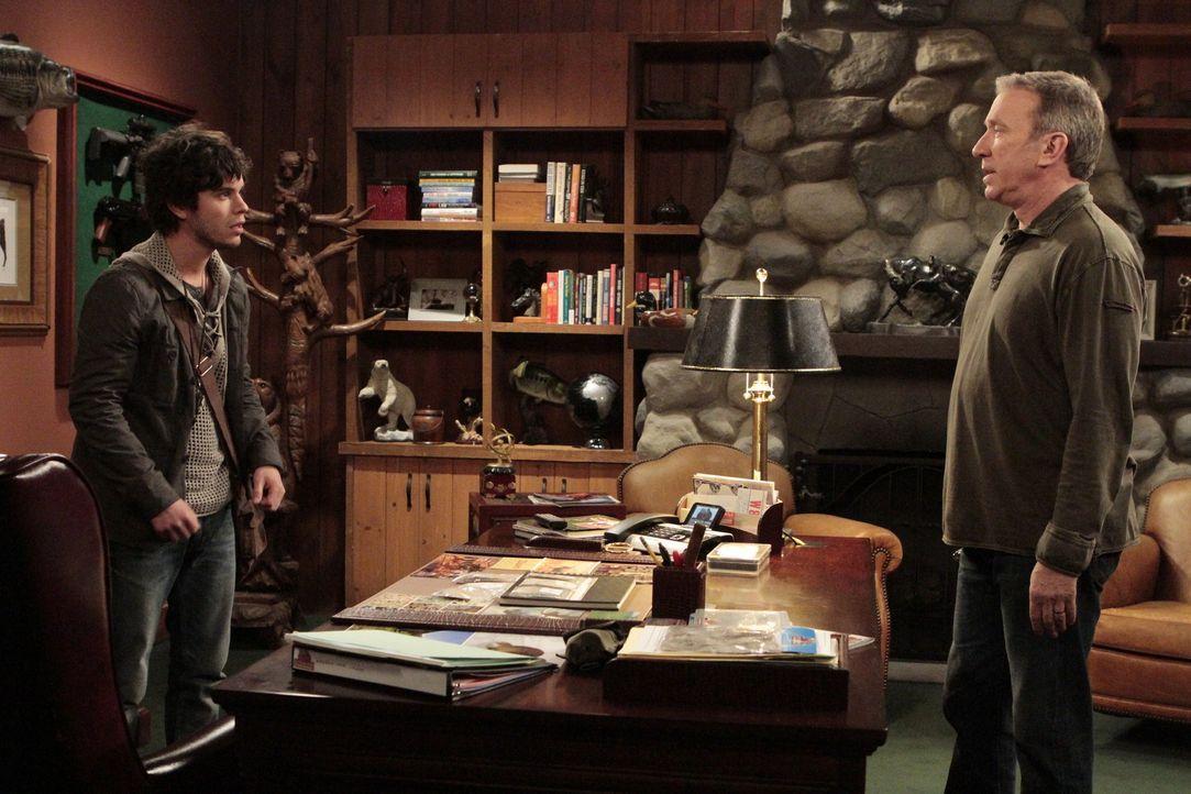 Mike (Tim Allen, r.) ist gar nicht begeistert von Terrance (Shane Coffey, l.), dem neuen Freund seiner Tochter. Denn der entpuppt sich als eingeflei... - Bildquelle: 2011 Twentieth Century Fox Film Corporation