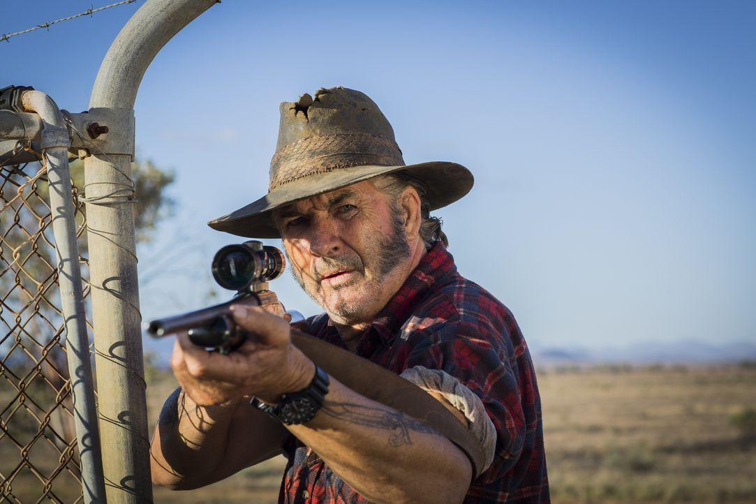 Immer auf der Jagd nach unschuldigen Touristen, um sie zu quälen: Serienkiller Mick Taylor (John Jarratt) ... - Bildquelle: Mark Rogers 2013