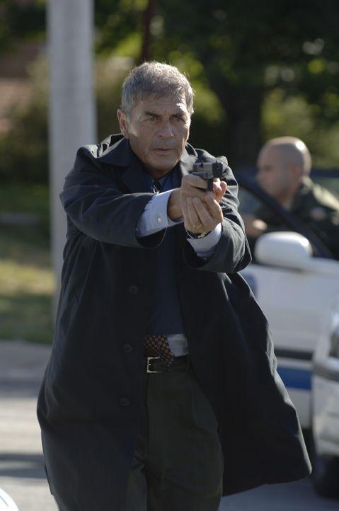 Der Serienkiller ist zurück! Für Detective Jason Magida (Robert Forster) beginnt eine harte Zeit, bis er den Täter für immer hinter Schloss und... - Bildquelle: 2005 Sony Pictures Television Inc. All Rights Reserved.