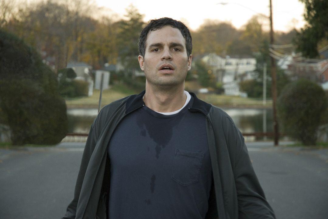 Anwalt Dwight Arnos (Mark Ruffalo) Angst ist zu groß, das Sorgerecht für seinen eigenen Sohn zu verlieren. Deshalb stellt er sich nicht der Polize... - Bildquelle: TOBIS Film