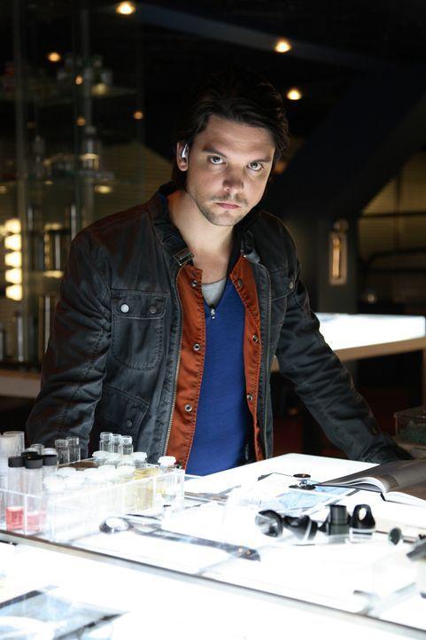 (4. Staffel) - Der Kampf geht weiter: Connor Temple (Andrew Lee Potts) ... - Bildquelle: ITV Plc