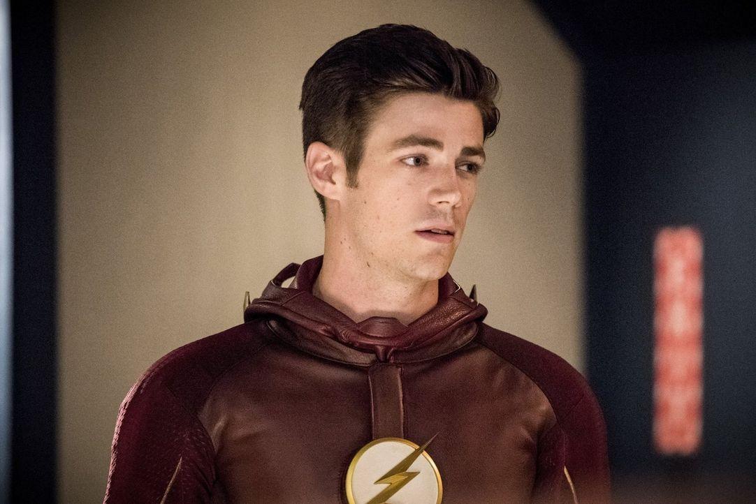 Barry (Grant Gustin) muss sich eingestehen, dass die Folgen seines Herumpfuschens an der Vergangenheit weitaus stärker und übergreifender sind, als... - Bildquelle: 2016 Warner Bros.