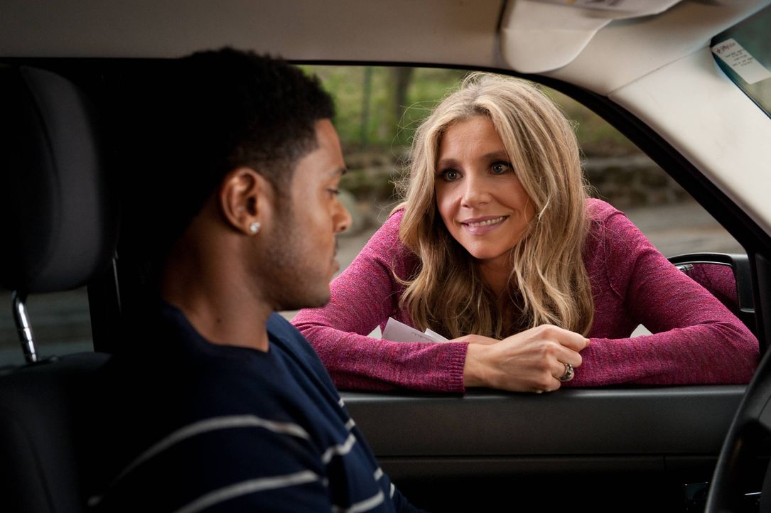 Nachdem ihre Beziehung mit Scott gescheitert ist, eröffnet Polly (Sarah Chalke, r.) eine neue Dating-Runde. Und sie ist sich sicher, dass Ryan (Pooc... - Bildquelle: 2013 American Broadcasting Companies. All rights reserved.