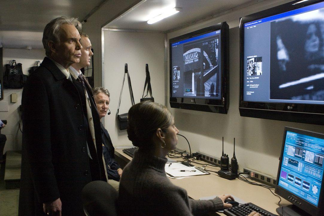 Big Brother is watching you: FBI-Agent Morgan (Billy Bob Thornton, 2.v.r.) kann nicht glauben, dass Jerry und Rachel von einer Telefonstimme erpress... - Bildquelle: Paramount Pictures International