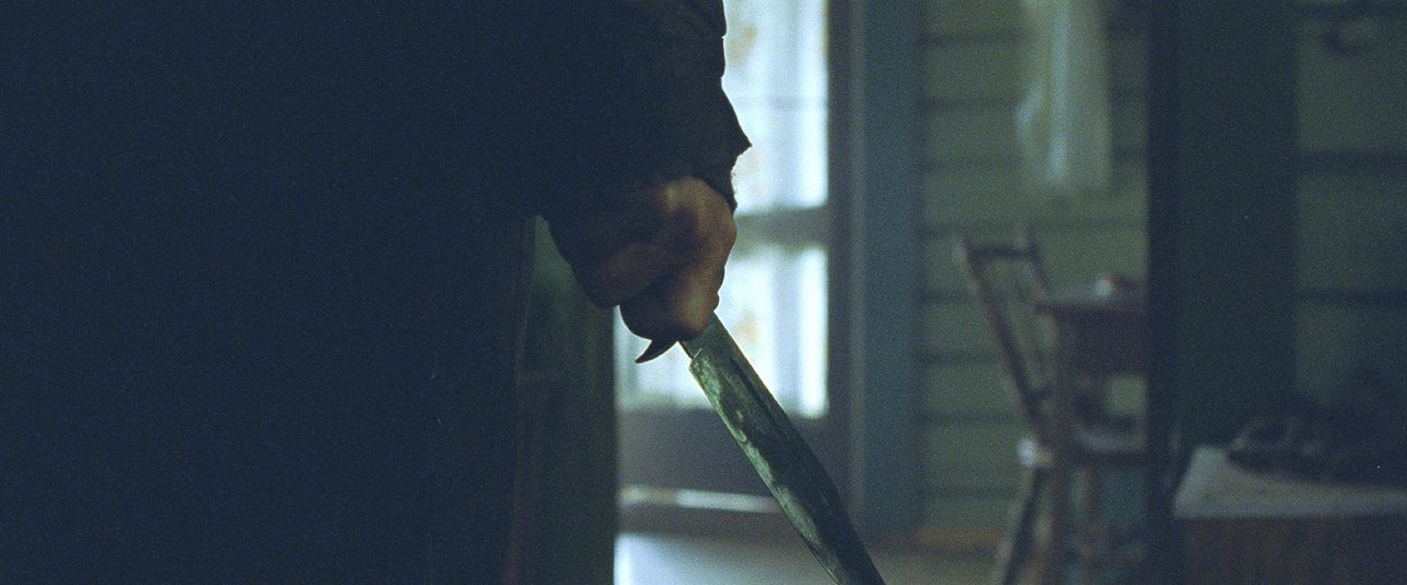 Als Kind wurde der Mörder immer wieder von seinem brutalen Stiefvater im Keller ihrer einsamen Hütte geschlagen und gequält - und die Mutter sah...
