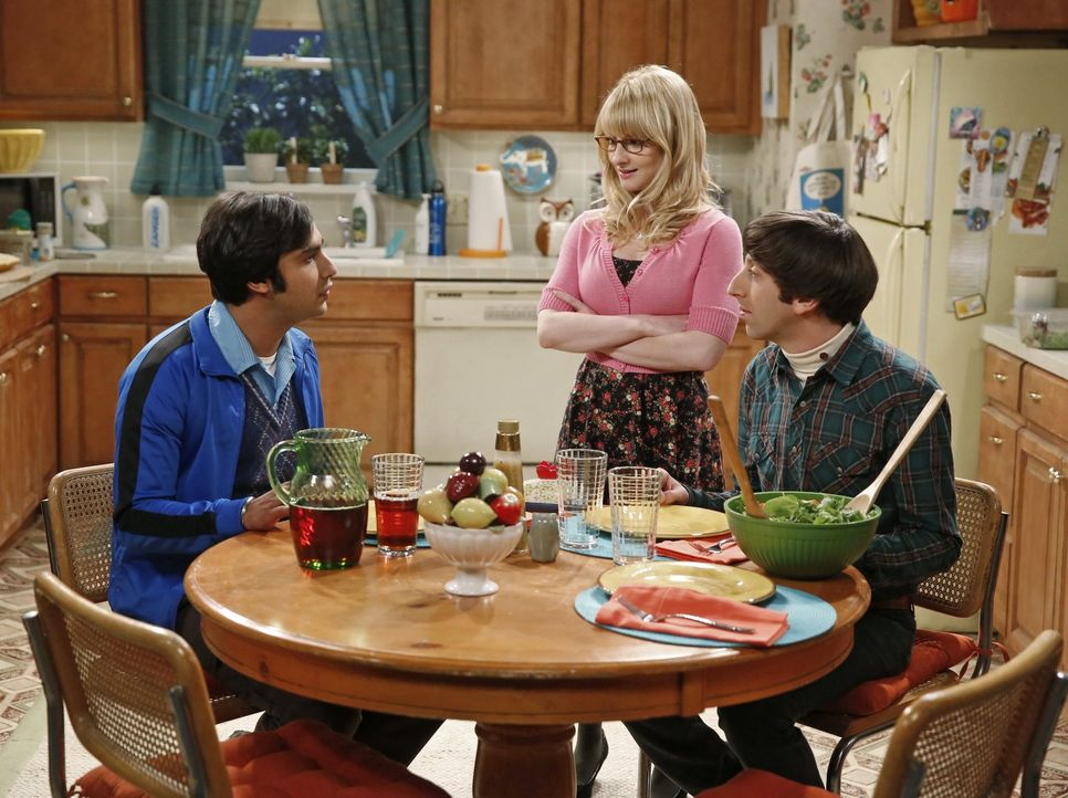 Müssen alle endlich etwas gegen ihre Probleme tun, statt immer nur zu jammern: Raj (Kunal Nayyar, l.), Bernadette (Melissa Rauch, M.) und Howard (Si... - Bildquelle: Warner Bros. Television