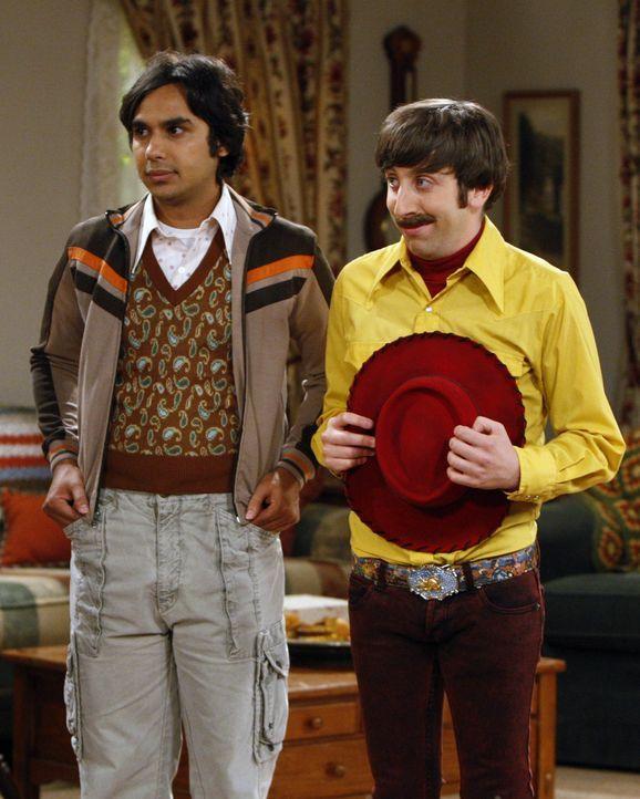 Reisen nach Texas um sich bei Sheldon zu entschuldigen: Howard (Simon Helberg, r.) und Raj (Kunal Nayyar, l.) ... - Bildquelle: Warner Bros. Television