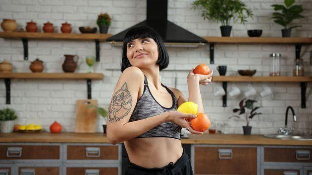 DIY-Haarkur mit Zitrone: Zitronen und Citrusfrüchte haben viel Vitamin C – di...