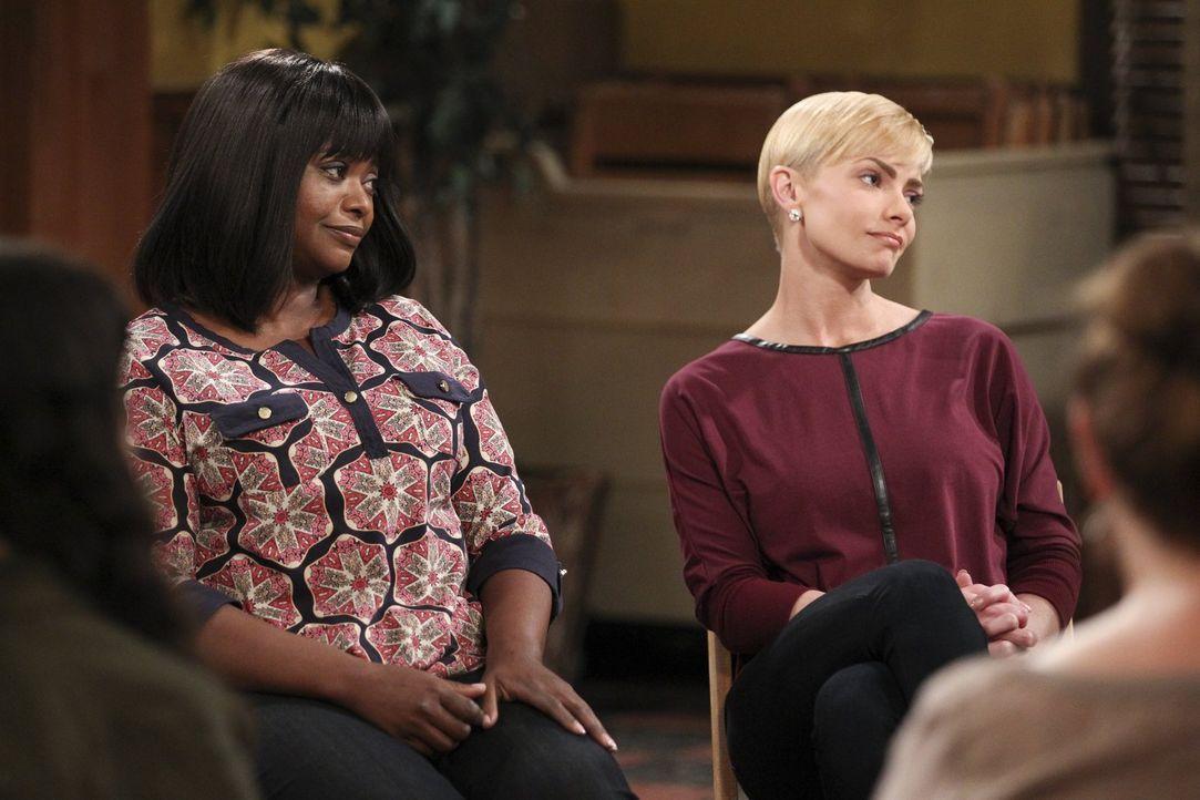 Nicht jeder zeigt so viel Mitgefühl für Bonnies Rückfall wie Regina (Octavia Spencer, l.) und Jill (Jamie Pressly, r.) ... - Bildquelle: Warner Bros. Television