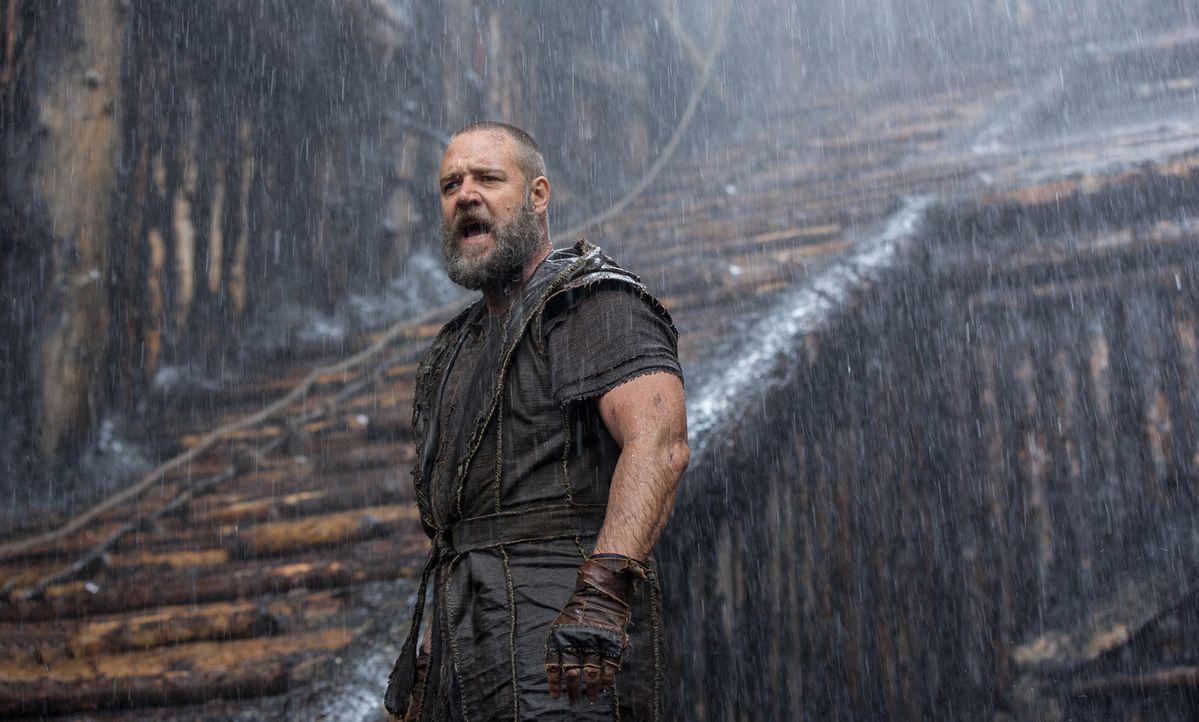 Noah (Russell Crowe) versucht mit allen Mitteln, Gottes Auftrag auszuführen und die Tiere vor der Sintflut in Sicherheit zu bringen. Auch wenn das b... - Bildquelle: 2014 Paramount Pictures Corporation. All rights reserved.