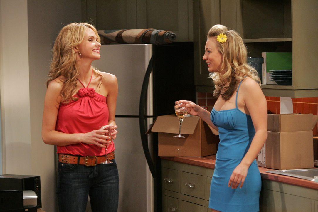 Penny (Kaley Cuoco, r.) stellt Alicia (Valerie Azlynn, l.) zur Rede und fordert sie auf, ihre Freunde nicht weiterhin so schamlos auszunutzen ... - Bildquelle: Warner Bros. Television