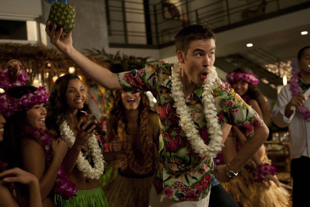 Erinnern sich zurück an alte Zeiten: Aaron (Zach Cregger) und seine Freunde ... - Bildquelle: NBC Universal, Inc.