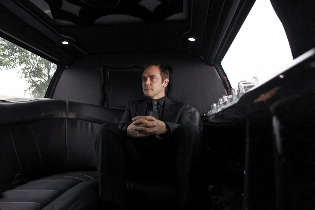 Führt nichts Gutes im Schilde: Crowley (Mark Shepard) ... - Bildquelle: Warner Bros. Television
