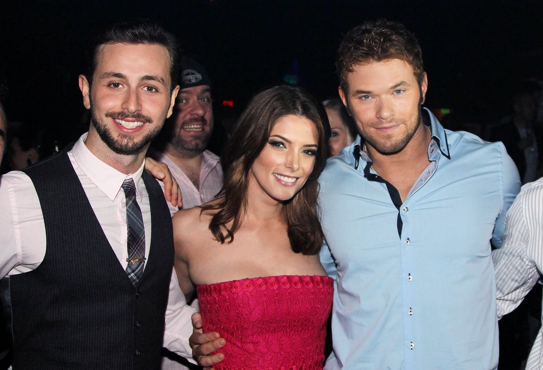 Pre-Oscar-Party-Paul-Khoury-Ashley-Greene-Kellan-Lutz14-02-26-getty-AFP - Bildquelle: getty-AFP