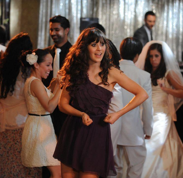 Genießt die Hochzeitsfeier: Jess (Zooey Deschanel) ... - Bildquelle: 20th Century Fox
