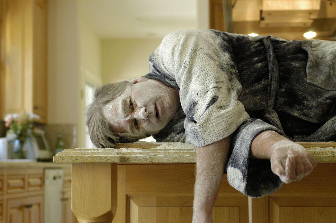 Harvey Bellinger (Beau Bridges) ist Vater in einer vom Chaos geprägten Familie. Deshalb kommt seinem Stiefsohn Colby eine irre Idee  - er installie... - Bildquelle: RRS Entertainment GmbH