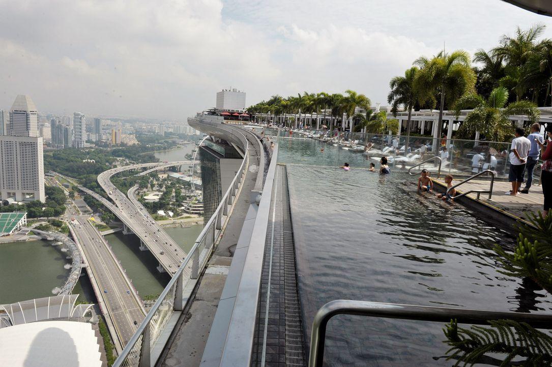 GNTM-Stf09-Epi01-Singapur-Ankunft-29-ProSieben-Oliver-S - Bildquelle: ProSieben/Oliver S.