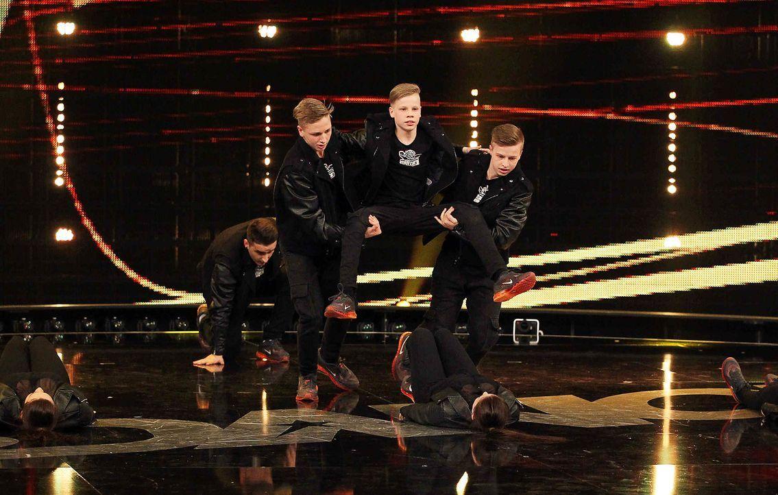 Got-To-Dance-Military-Crew-03-SAT1-ProSieben-Guido-Engels-TEASER - Bildquelle: SAT.1/ProSieben/Guido Engels