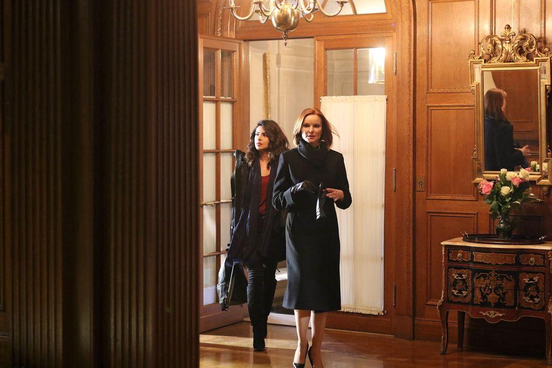 Alex (Priyanka Chopra, l.) nimmt Kontakt zu Claire Haas (Marcia Cross, r.) auf, um ihre verschwundenen Freunde zu finden. Als sie jedoch erfährt, wo... - Bildquelle: Bertrand Calmeau 2015 ABC Studios