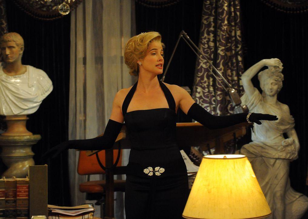In Teds Vorstellungen sieht seine Freundin im Jahr 2006 wie Robin (Cobie Smulders) aus, stammt jedoch aus Frankreich und ist adelig ... - Bildquelle: 20th Century Fox International Television