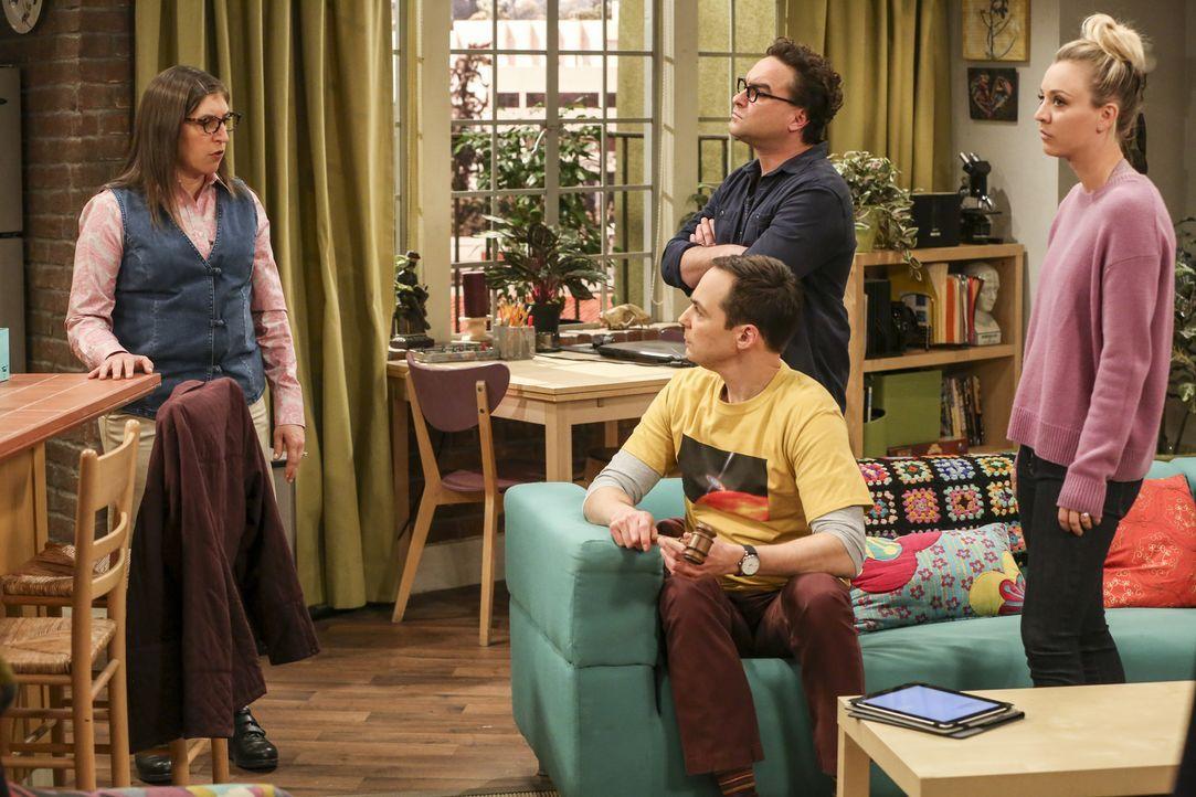 Geraten Amy (Mayim Bialik, l.), Sheldon (Jim Parsons, 2.v.l.), Leonard (Johnny Galecki, 2.v.r.) und Penny (Kaley Cuoco, r.) wegen der Wahl des Präsi... - Bildquelle: Warner Bros. Television