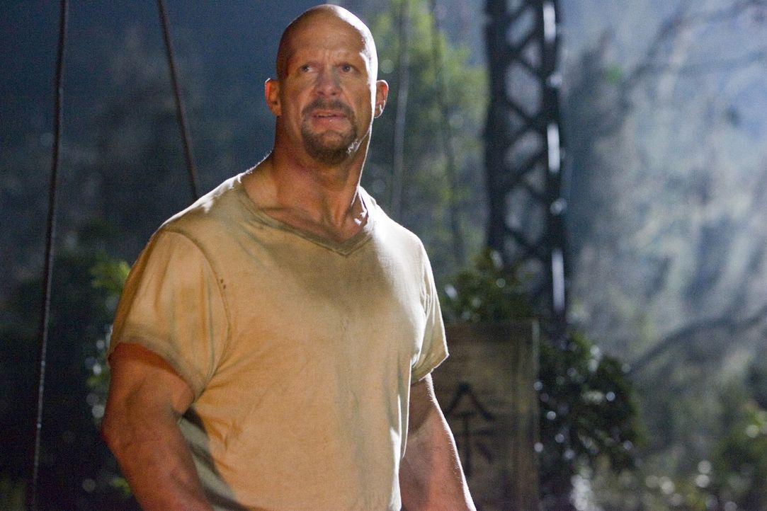 Joe Conrad (Steve Austin) wartet auf die Todesstrafe, als er unerwartet von einem Fernsehproduzenten freigekauft und auf eine einsame Insel geschaff... - Bildquelle: 2007 WWE Films, Inc. All Rights Reserved.