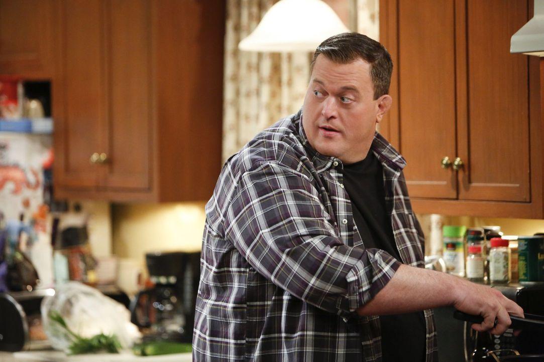 Was ist denn das für eine dumme Idee? Mike (Billy Gardell) bittet Molly inständig, einen Therapeuten aufzusuchen ... - Bildquelle: Warner Brothers