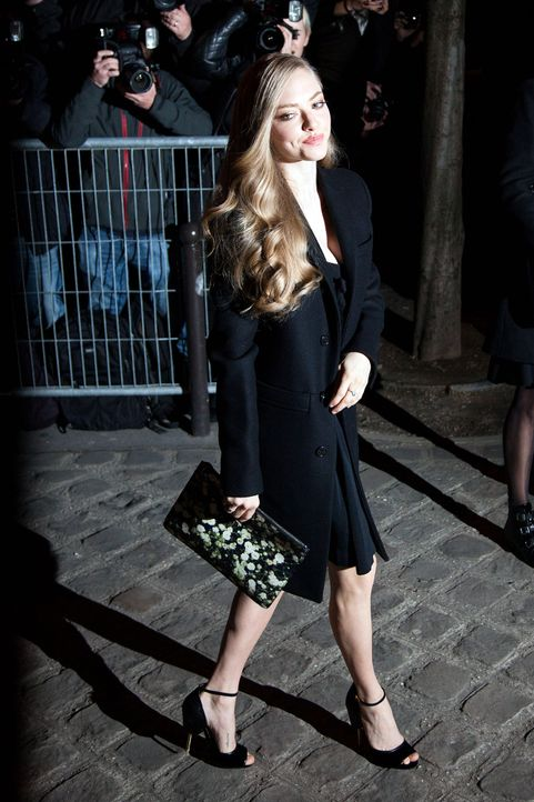 Paris-Fashion-Week-Amanda-Seyfried-150308-SIPA-WENN-com - Bildquelle: SIPA/WENN.com