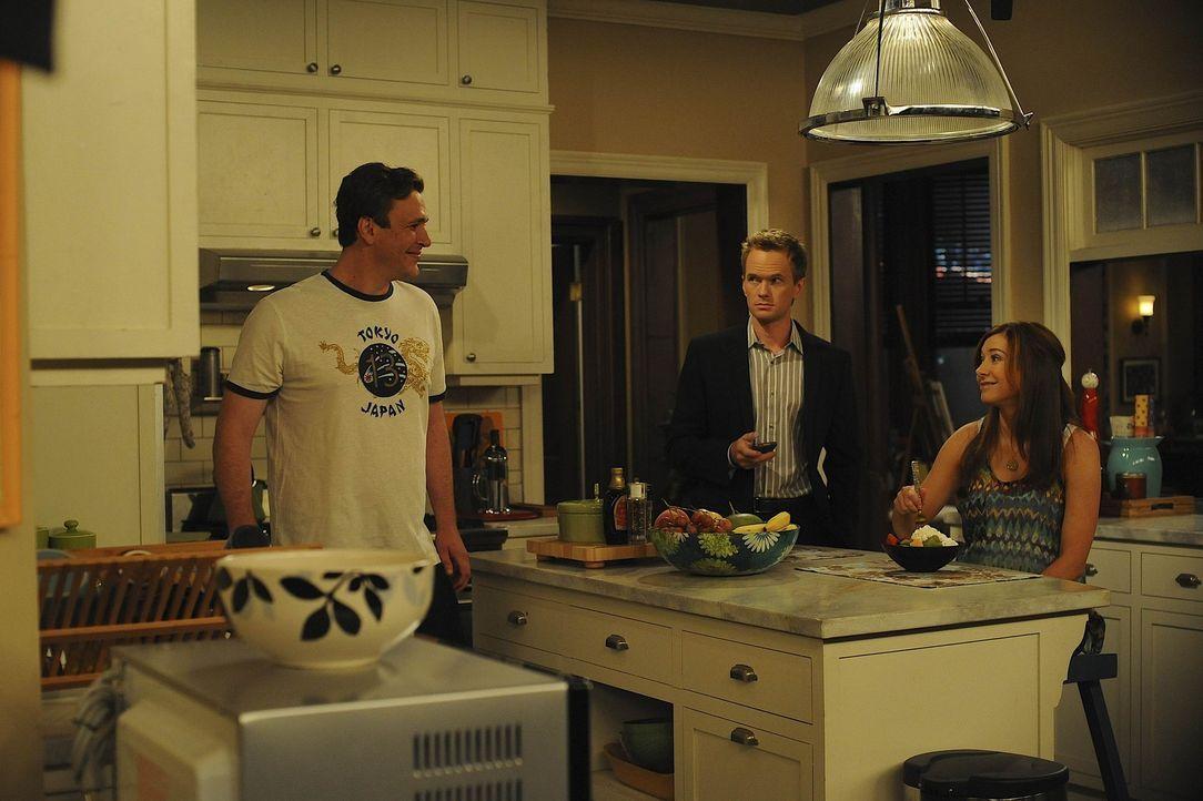Barney (Neil Patrick Harris, M.) behauptet, dass die Ehe von Lily (Alyson Hannigan, r.) und Marshall (Jason Segel, l.) bald am Ende ist. Er hat näm... - Bildquelle: 20th Century Fox International Television