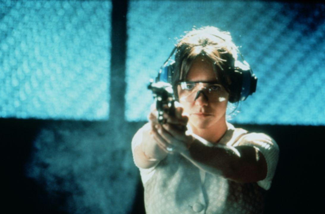 Um den Mörder ihrer Tochter zu Rechenschaft ziehen zu können, nimmt Karen (Sally Field) Schießunterricht ... - Bildquelle: Paramount Pictures