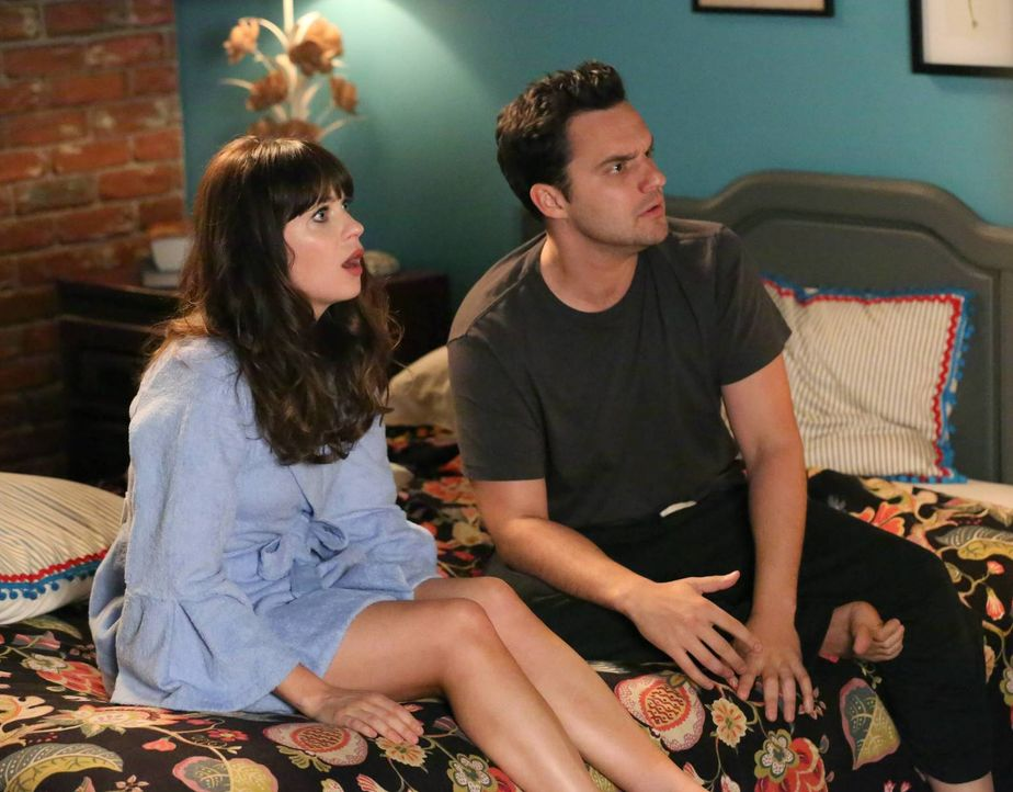 Nick (Jake Johnson, r.) scheint große Schwierigkeiten damit zu haben, mit Jess (Zooey Deschanel, l.) über Gefühle zu sprechen ... - Bildquelle: TM &   2013 Fox and its related entities. All rights reserved.