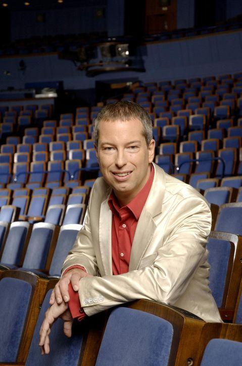 """Thomas Hermanns präsentiert den """"Quatsch Comedy Club"""" ... - Bildquelle: ProSieben"""