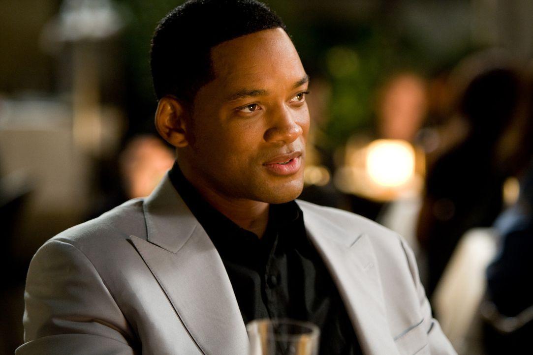 Fast zu spät erfährt Hancock (Will Smith) alles über seine Vergangenheit - und kann daraufhin seinen Frieden mit seinem Superheldendasein machen... - Bildquelle: Sony Pictures