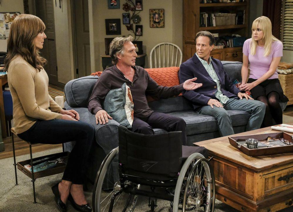 Das Familientreffen verläuft anders, als gedacht: Bonnie (Allison Janney, l.), Adam (William Fichtner, 2.v.l.), Adams Bruder Patrick (Steven Weber,... - Bildquelle: 2017 Warner Bros.