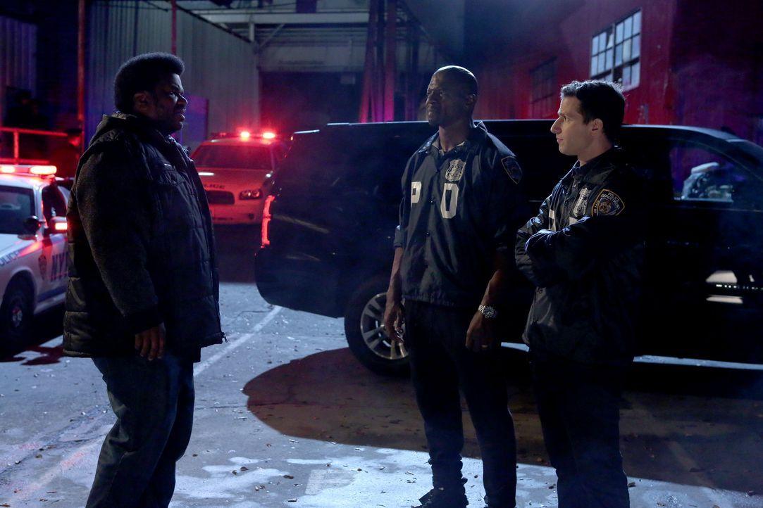 (v.l.n.r.) Doug Judy (Craig Robinson); Terry Jeffords (Terry Crews); Jake Peralta (Andy Samberg) - Bildquelle: Vivian Zink 2019 UNIVERSAL TELEVISION LLC. All rights reserved. / Vivian Zink