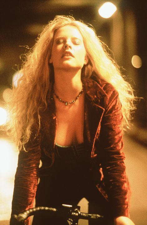 Die 18-jährige Inken (Diana Amft) empfindet auf ihrem neuen Rennrad außergewöhnliche Lustgefühle ... - Bildquelle: Constantin Film