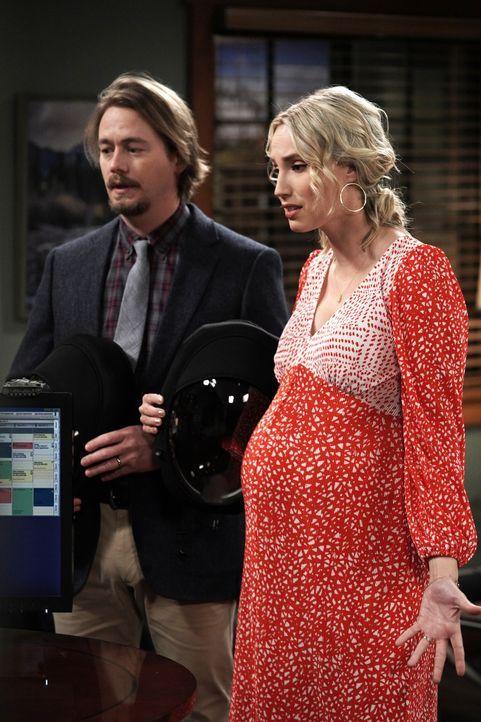 Kyle Anderson (Christoph Sanders, l.); Mandy Baxter (Molly McCook, r.) - Bildquelle: Michael Becker 2020 Fox Media LLC. / Michael Becker