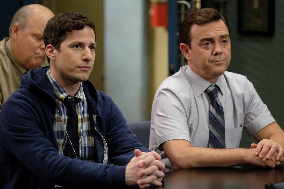 Jake Peralta (Andy Samberg, l.); Charles Boyle (Joe Lo Truglio, r.) - Bildquelle: John P. Fleenor 2019 UNIVERSAL TELEVISION LLC. All rights reserved. / John P. Fleenor